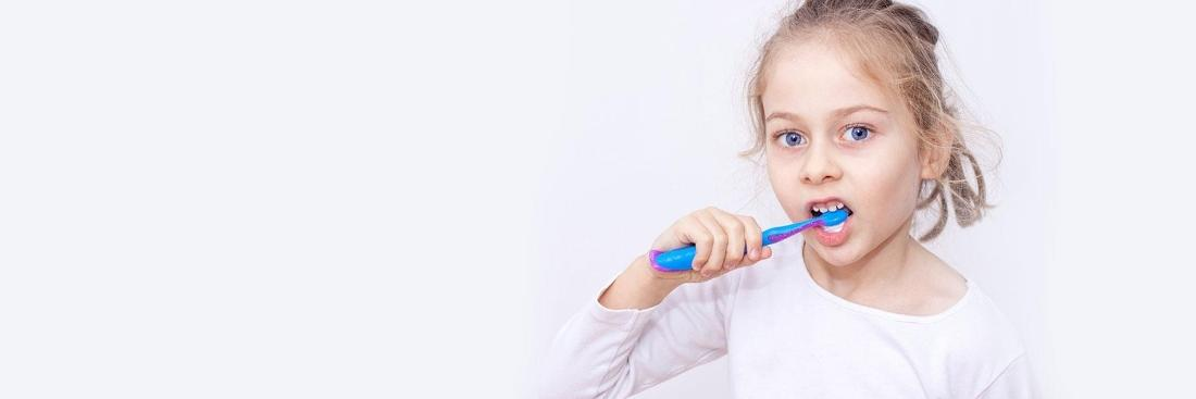 Child brushing teeth | Dentist Castle Rock CO